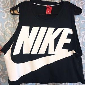 Athletic shirt